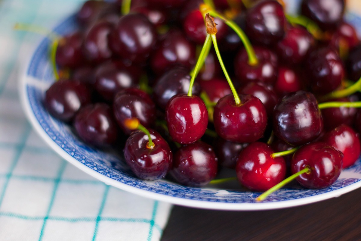 cherries_in_bowl